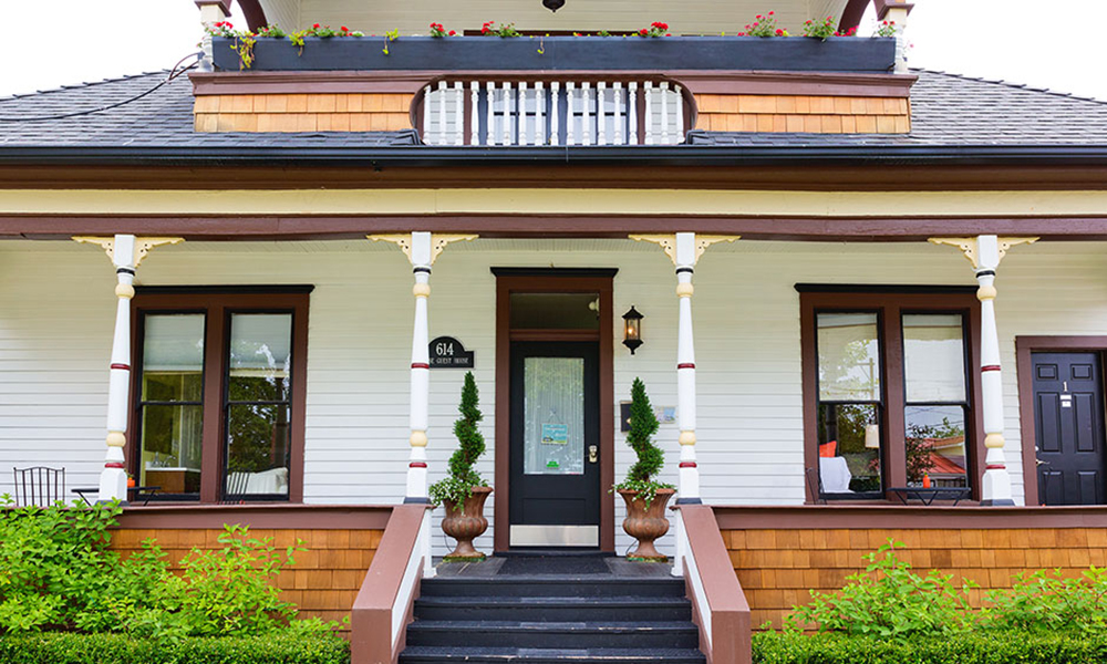 Boise Guest House Front Porch Short Term North End Rental